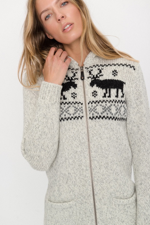 Thick wool cardigan with deers