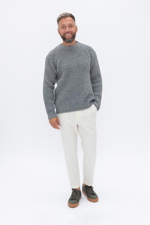 Simplistinis vilnos megztinis