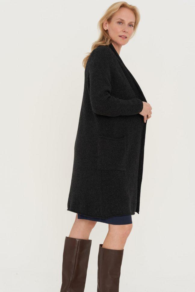 juodas merino kardiganas su kišenėmis