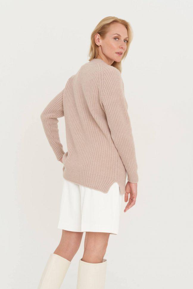 natūralios vilnos megztinis su skeltukais
