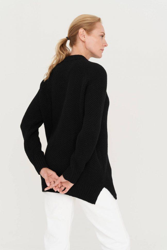 koriuko rašto juodas merino ir kašmyro vilnos megztinis