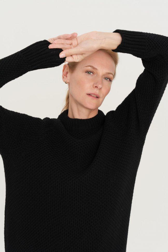 juodas merino ir kašmyro vilnos megztinis