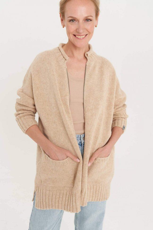 plius dydžio vilnonis megztinis