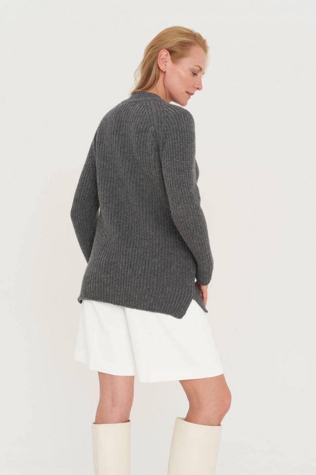 pilkas merino megztinis